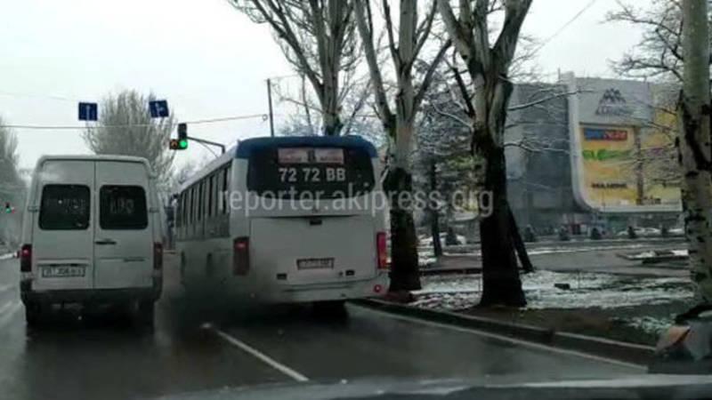 У автобуса №8 вышла из строя форсунка, он на ремонте, - мэрия