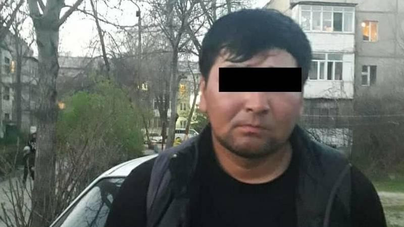 Мужчина бил девушку на улице. Патрульные задержали подозреваемого в хулиганстве