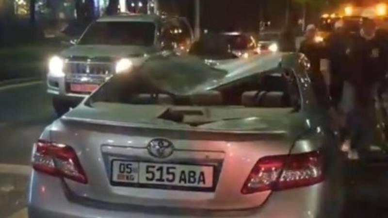 Страшная авария на Айтматова с участием трех авто. Видео с места ДТП