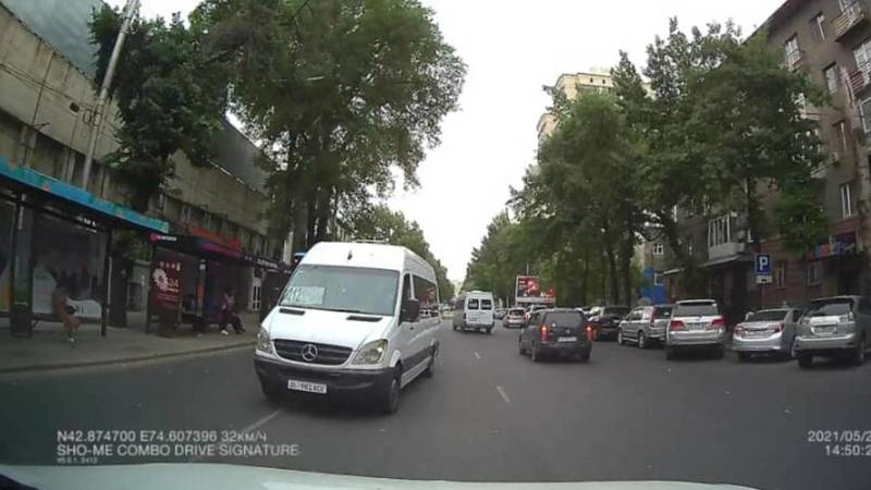Водитель маршрутки №212 оштрафован на 5,5 тыс. сомов за выезд на встречку