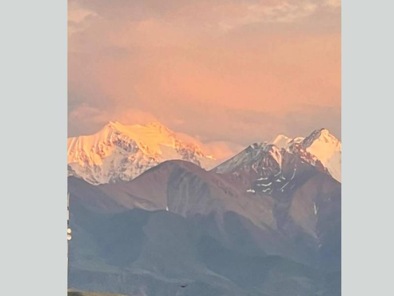Красивый закат в Бишкеке. Фото бишкекчанина
