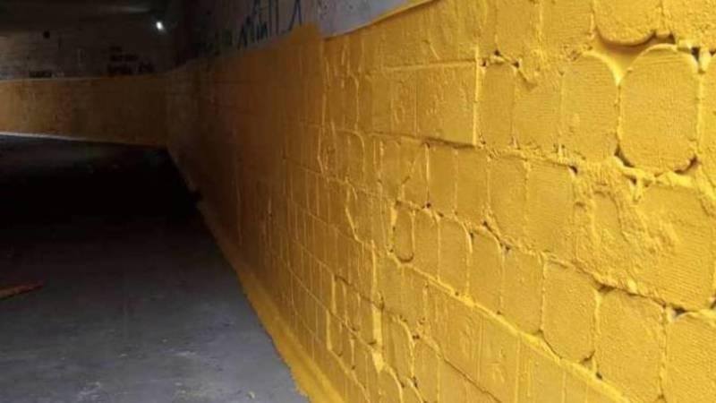«Бишкекасфальтсервис» почистил и покрасил подземку на Манаса после жалобы горожанина. Фото