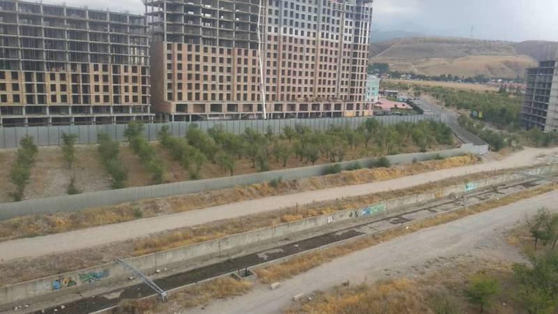 Законно ли огородили участок на Южной магистрали? - бишкекчанин