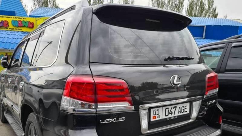 В Бишкеке замечен Lexus LX 570 с тонированными стеклами и штрафами на 18,5 тыс. сомов