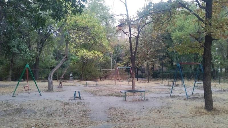 Территория придомового сквера в 8 мкр, где планируется строительство, является частной собственностью, - Госэкотехинспекция