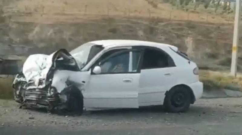 На трассе Бишкек—Ош произошло ДТП. Видео с места происшествия
