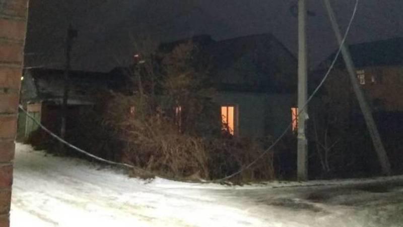 В переулке Садовый свисает электрический кабель, - местный житель