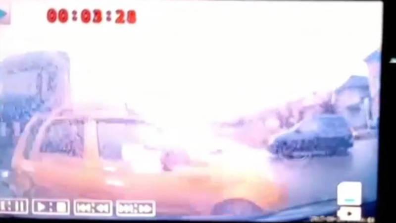 Момент столкновения фуры, «Дэу» и «Тойоты» попал на видео