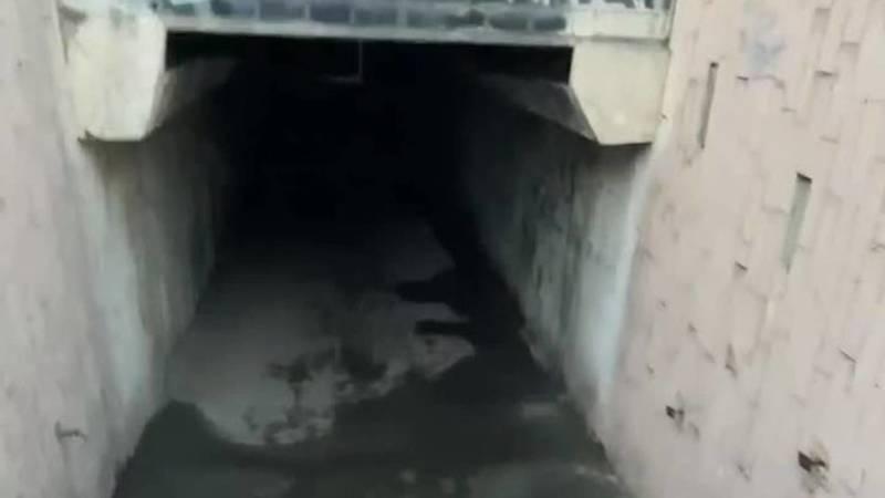 Бишкекчанка просит установить освещение в подземке на Льва Толстого—7 апреля. Видео