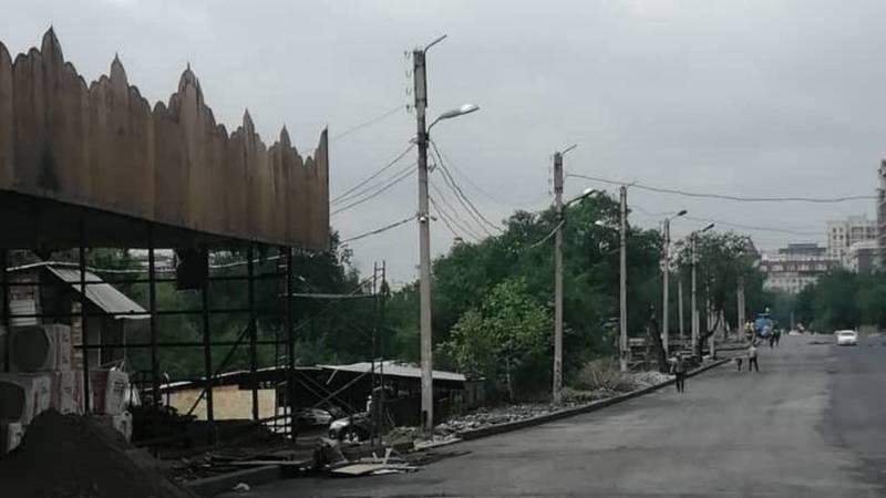 На ул.Линейной на месте снесенного кафе снова что-то строят. Фото горожанина