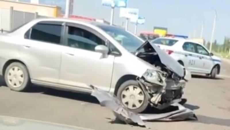 На Льва Толстого столкнулись три машины. Видео