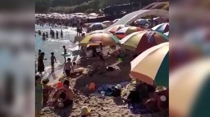 Переполненный пляж на Иссык-Куле. Видео