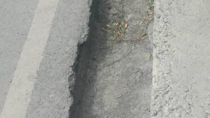 На ул.Орозова установят 5 тротуарных бордюров, - ответ мэрии