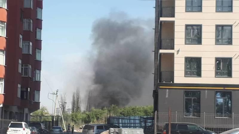 В южной части Бишкека пожар. Видео и фото