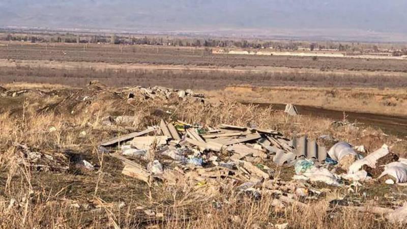 Прилегающая территория села Джар-Баши Исск-Атинского района завалена мусором, - житель (фото)