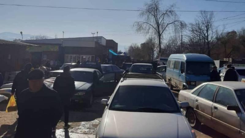 Жительница просит навести порядок на ул.Суеркулова в Токтогуле
