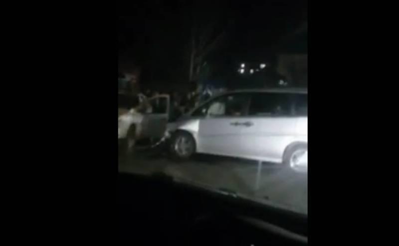 Видео – На Фрунзе–Уметалиева столкнулись 3 автомобиля