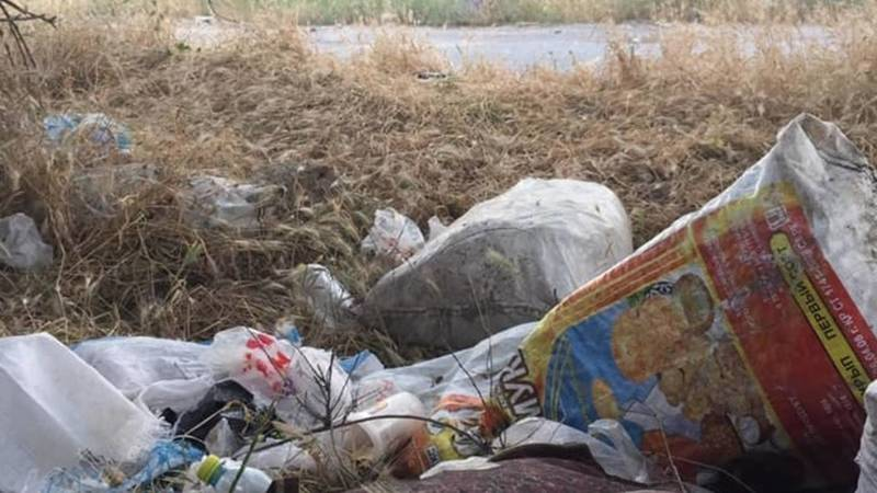 Горожанин жалуется на мусор на панораме. Фото