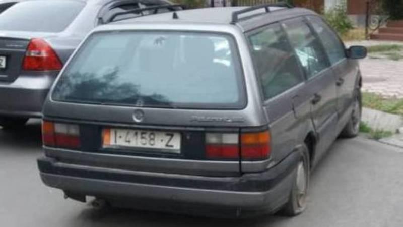 На Токтогула-Ибраимова стоит заброшенный автомобиль, - горожанин