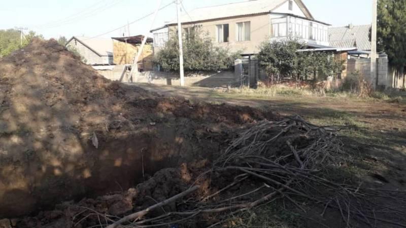В селе Киршелк рядом с жилыми домами строят септик, - местный житель