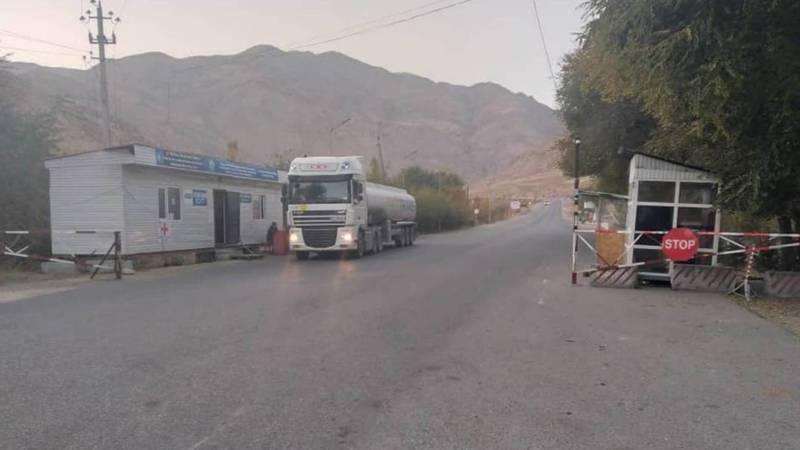 Из-за погодных условий на перевалах Тоо-Ашуу и Ала-Бель ограничен проезд