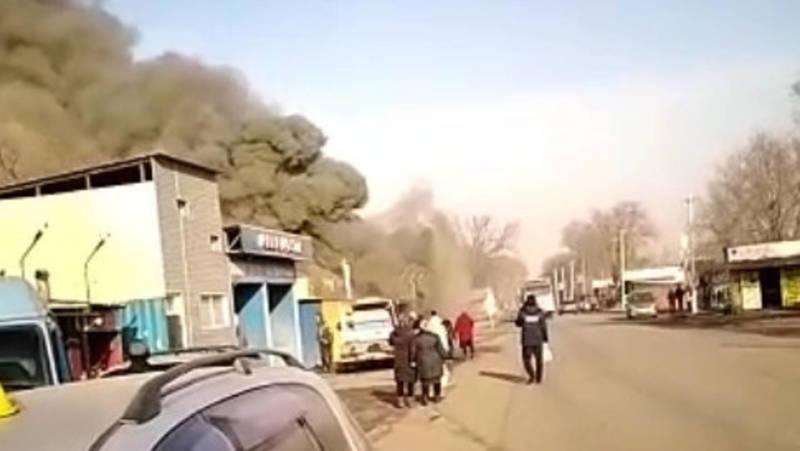 В селе Пригородное пожар в столовой. Видео