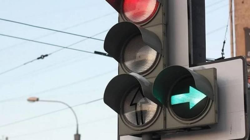 Горожанин просит добавить допсекцию на светофор на перекрестке Айтматова-Ахунбаева