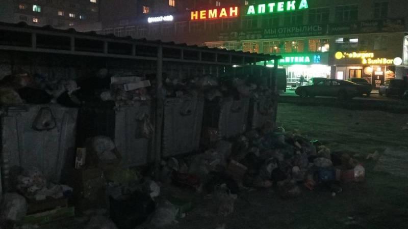 Горожанин жалуется на мусор в мкр Тунгуч