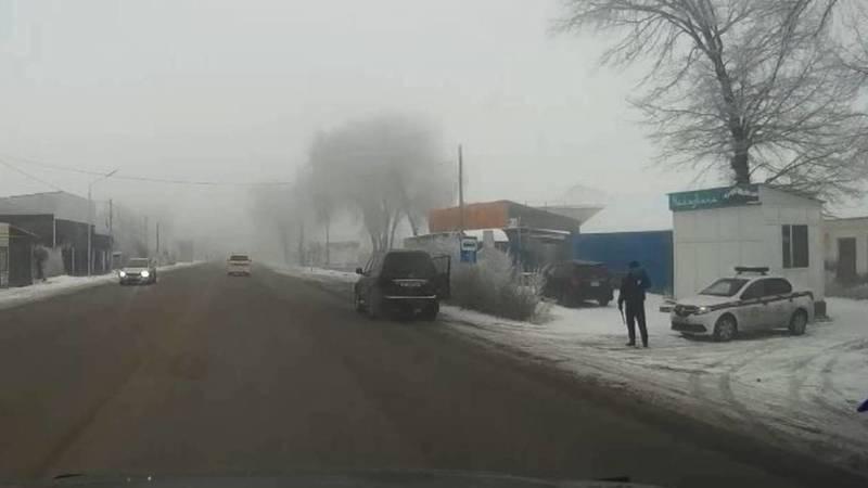 Почему милиционеры во время тумана стоят на проезжей части без светоотражающих средств? - горожанин