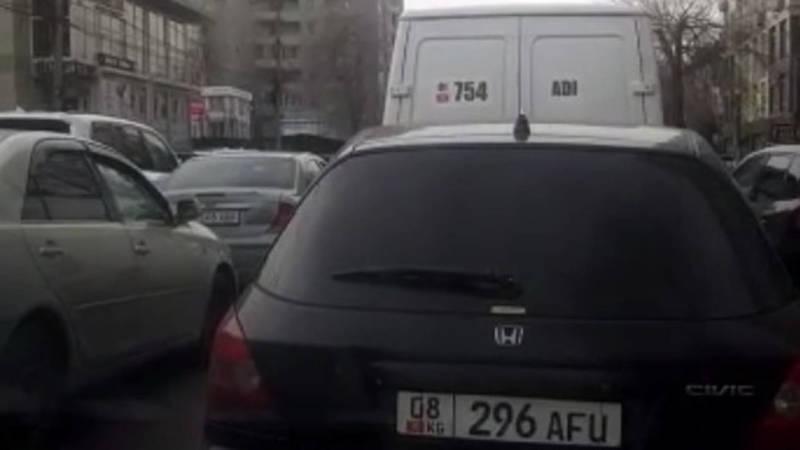 «Берите пример с президента Молдовы». Горожанин жалуется на пробку из-за репетиции инаугурации