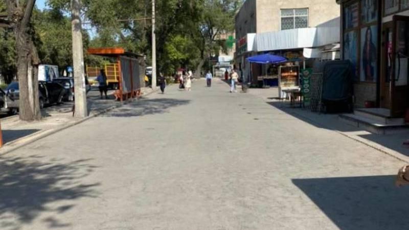 Стихийная торговля на Жибек Жолу и Московской была убрана, - мэрия