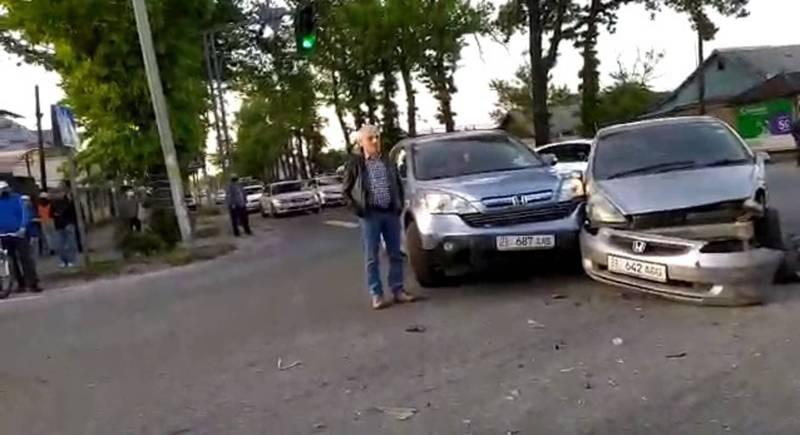 На Гагарина-Чапаева произошло ДТП, - очевидец. Видео