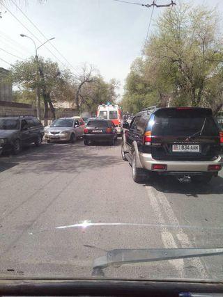 Выезд на встречную полосу вслед за каретой Скорой помощи на ул.Московской