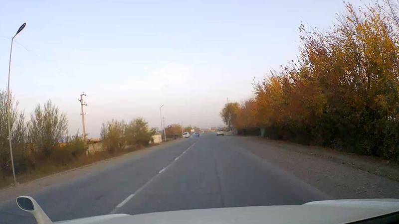 В Узгене столкнулись «Степвагон» и «Пассат». Момент аварии