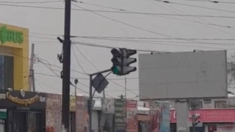 «Постоянно горит зеленый». На Гагарина-Алыкулова неисправно работает светофор