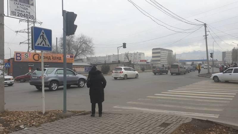 Когда подключат светофор на перекрестке Ауэзова-Калинина? - горожанин