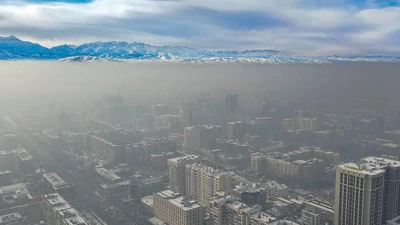 Смог над Бишкеком с высоты птичьего полета