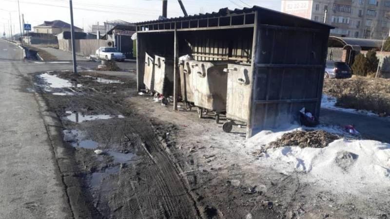 Горожанин просит очистить арык на ул.Ахунбаева. Видео