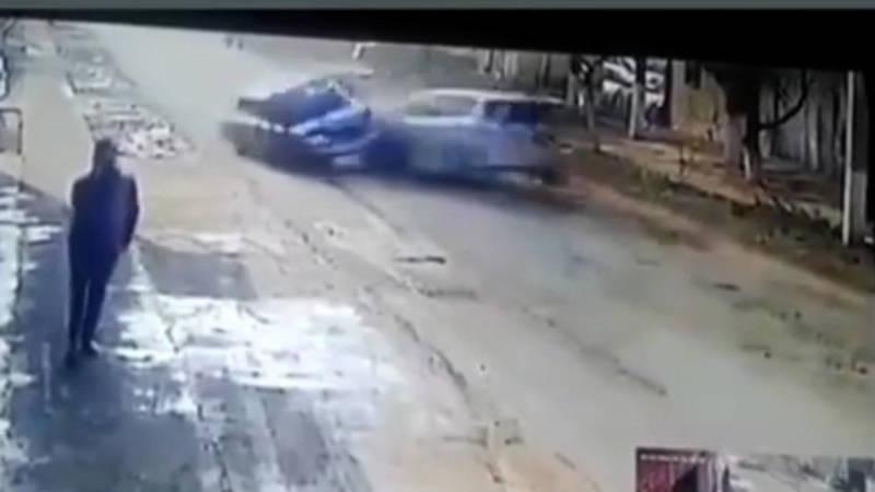 Лобовое столкновение попало на видео
