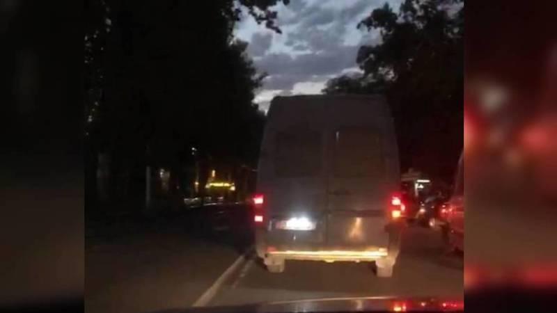 На центральных улицах Бишкека нет света, - горожанин (видео)