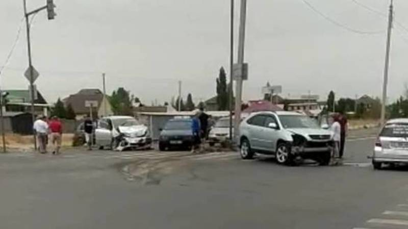 ДТП на Куюкова-Чортекова с участием трех машин. Видео