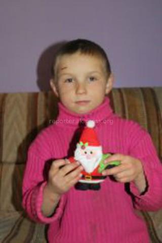 Ковшаков Вова, 5 лет Дорогой мой ангел, на Новый год я хочу много игрушек (машинок) и конфет, сладостей. С Новым годом, мой ангел!