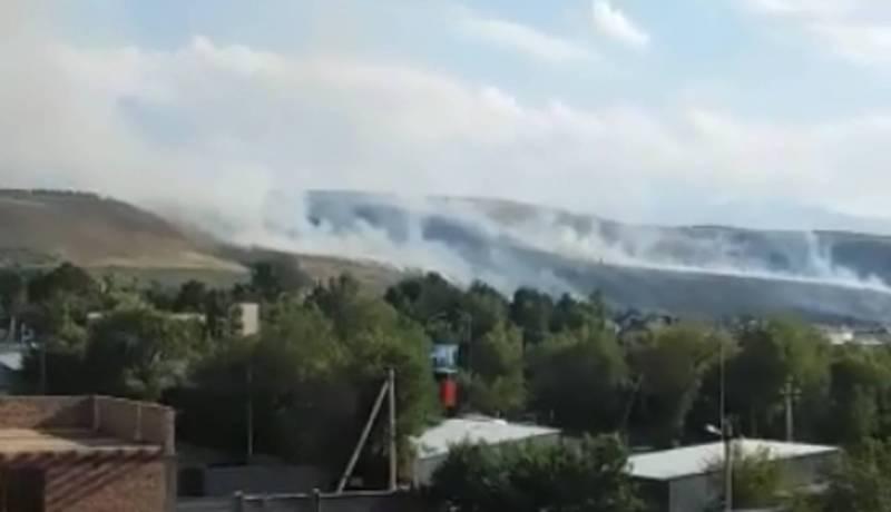 Видео пожара в горах за 12 микрорайоном
