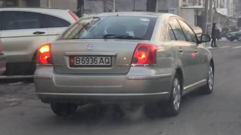 Видео — Массовое нарушение ПДД на ул.Исанова