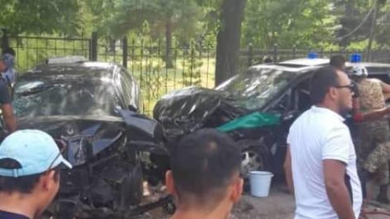 Жуткая авария с участием автомашины ГБР в Бишкеке. Видео
