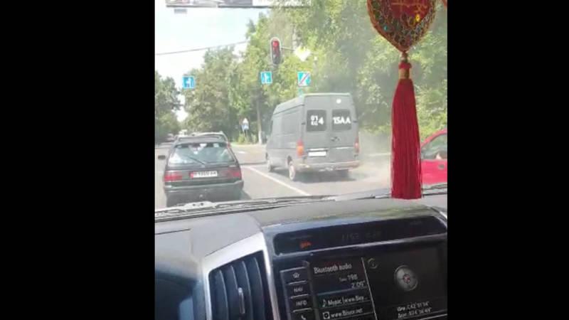В Бишкеке выхлопы маршруток загрязняют воздух,- бишкекчанин