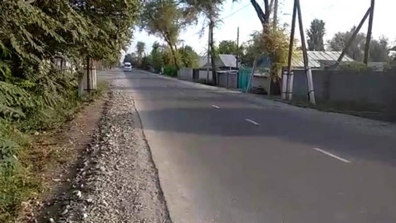 Житель села Фрунзе просит установить знак ограничения скорости на ул.Фрунзенской
