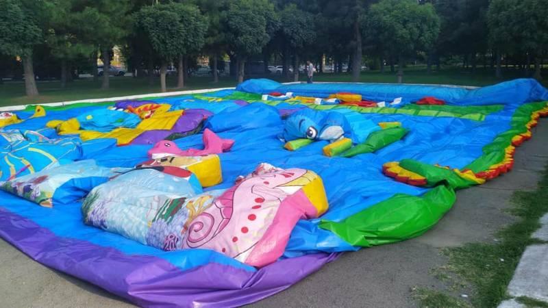 Детский батут на площади Победы убрали, - мэрия