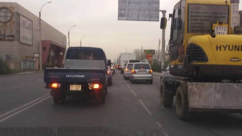 Бишкекчанин жалуется на пробки на Ахунбаева-Тыналиева