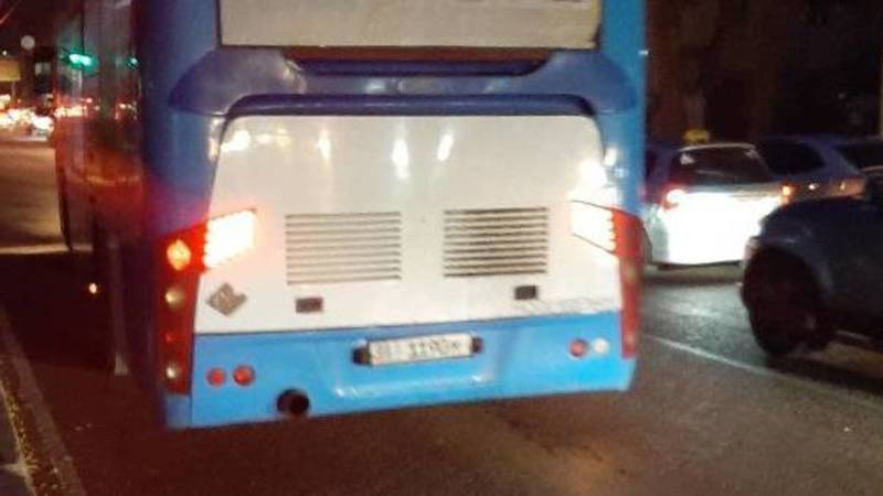 Пассажирский автобус едет по встречке на Московской, - очевидец. Фото
